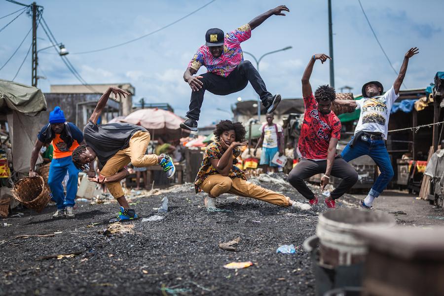 Dans Ce.. 2016,tirage numérique sur diasec. © Siaka Soppo Traoré. Courtesy Galerie MAM